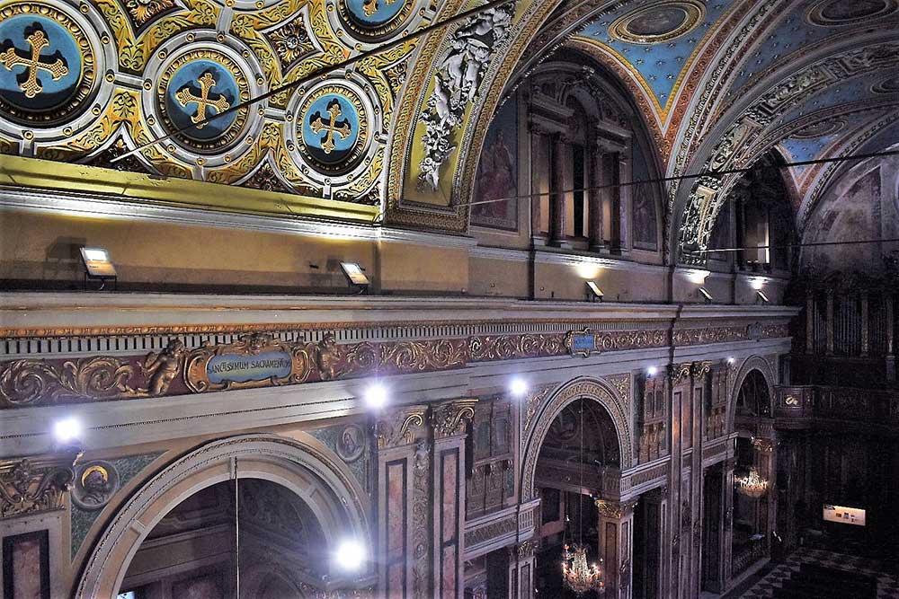 illuminazione chiesa